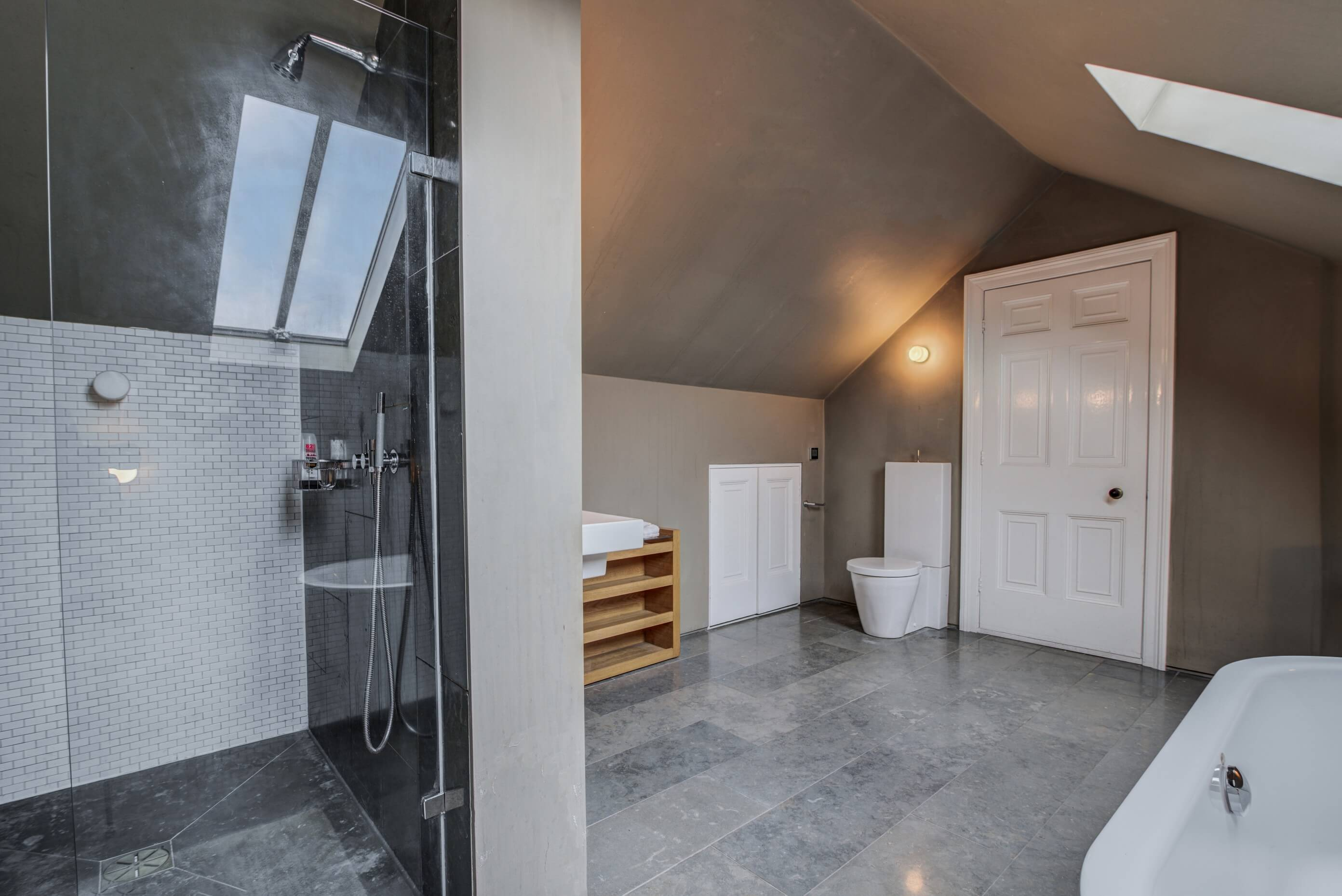 bathroom airbnb design